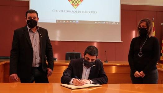 El conseller Chakir el Homrani visita Balaguer per reunir-se amb el Consell Comarcal de la Noguera i l'Ajuntament de Balaguer, i conèixer empreses balaguerines