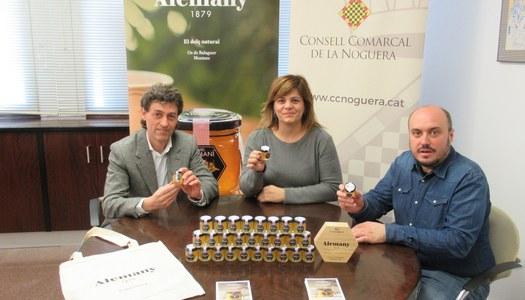 El PAM donarà als escolars un petit pot de mel obsequi de l'empresa Mel i Torrons Alemany