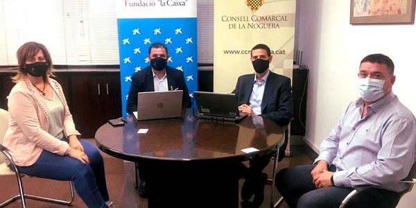 """Representants del Consell Comarcal de la Noguera i de Fundació """"la Caixa"""" en la signatura del conveni"""