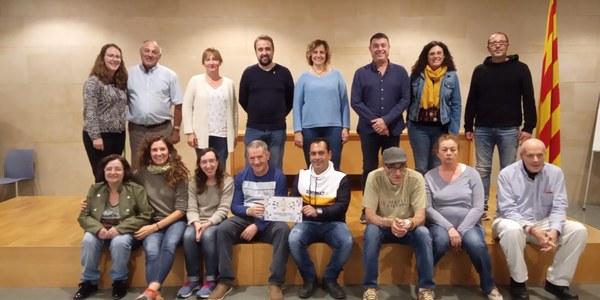 """La Companyia Teatral """"Visibles"""" rep el premi del Concurs de Suggeriments Solidaris 2019"""
